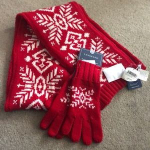 Lands End scarf and gloves set